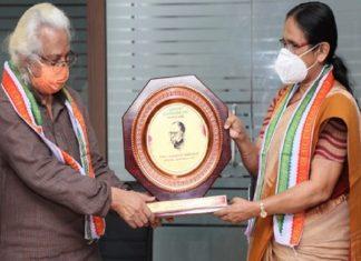 Azhikkod Award KK shailaja