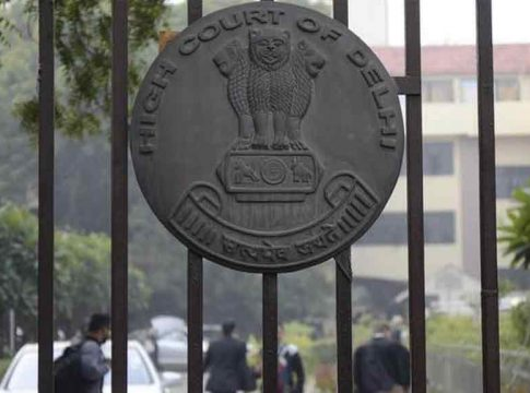 Delhi-High court about Street Dogs