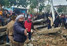 roof-collapse-at-Ghaziabad-cremation-ground