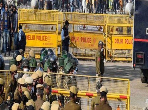 Police IN Delhi Border