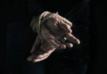യുവാവിനെ തട്ടിക്കൊണ്ട് പോയി; വഴിയിൽ ഉപേക്ഷിച്ച് കടന്നു; മൂന്ന് പേർ അറസ്റ്റിൽ