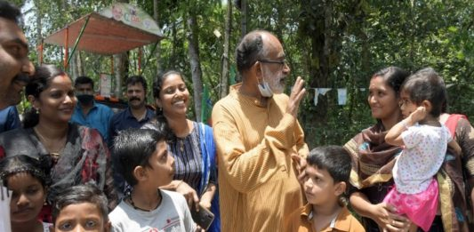 Alphons Kannanthanam in Election campaign