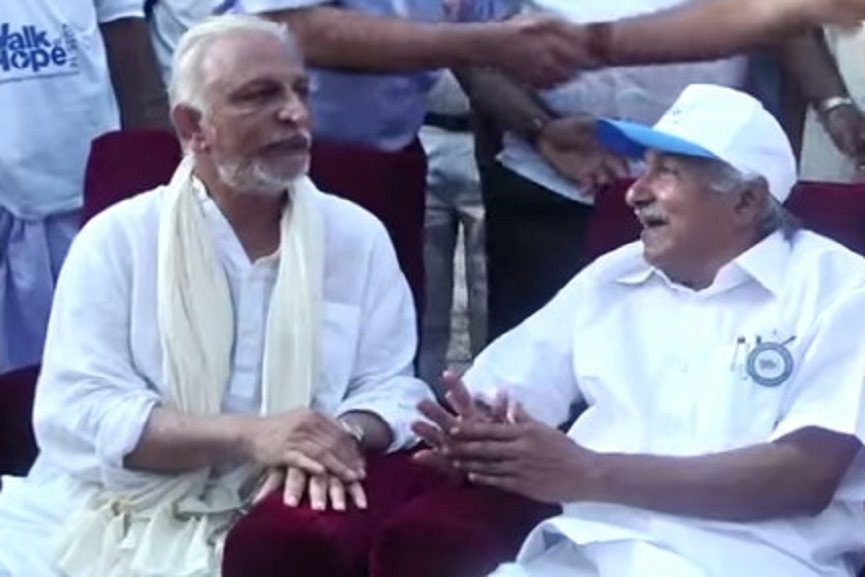 Sri M with Oommen Chandy