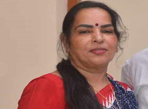 Kodiyeri-Balakrishnan-wife