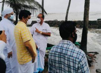 Khaleel Al Bukhari Thangal visiting coastal areas