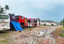 MalabarNews_Bus_drivers_stranded_assam