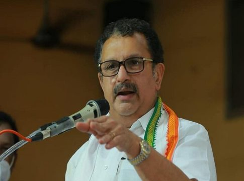 The bad name should be changed and the Congress should take the lead in the moves against the BJP; K Muraleedharan