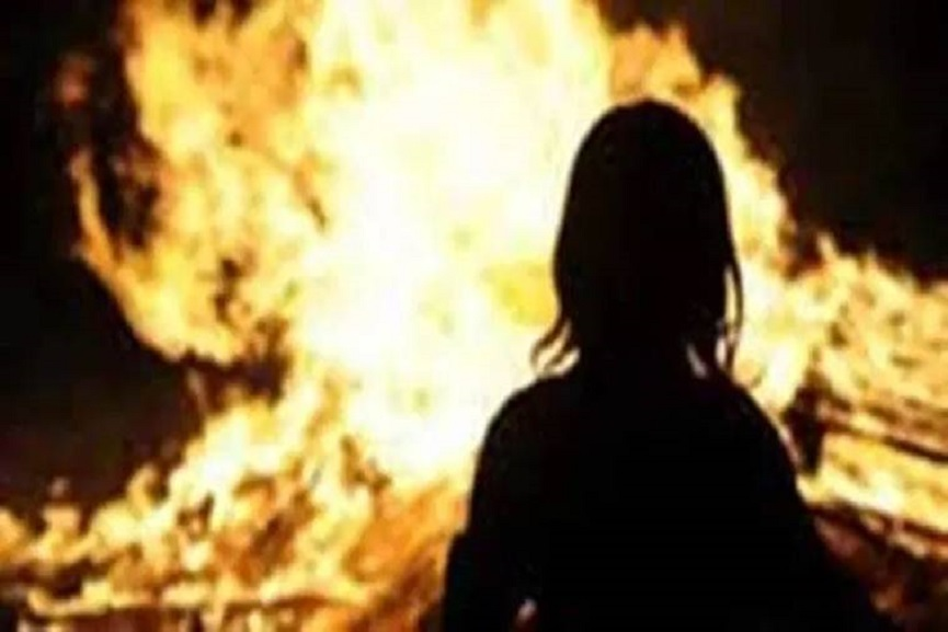 woman set on fire and killed in kollam