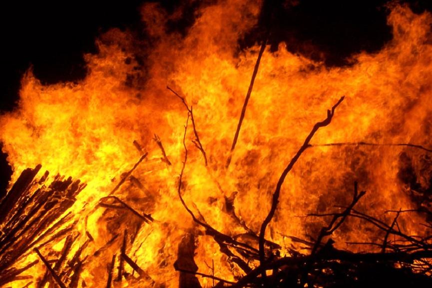 Thalasseri shop fire