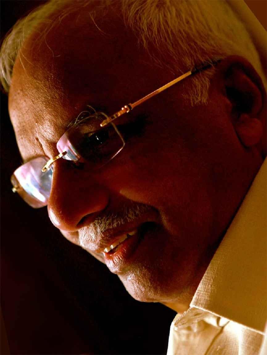 Thadagam Foundation's 'Eid Gift' Swift car for Jalaluddin Adani