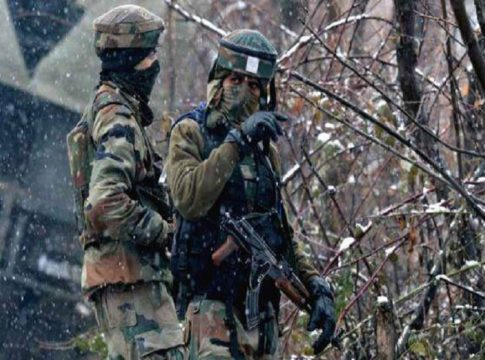 Clashes continue in Pulwama