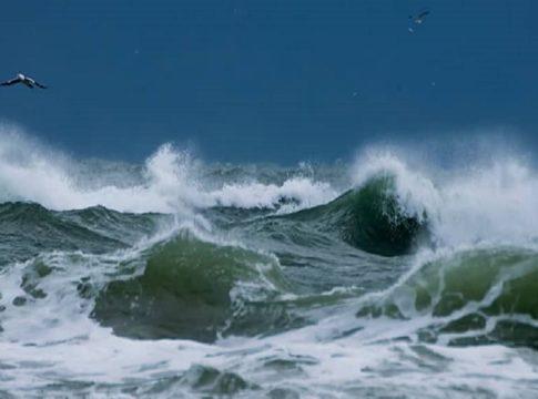storm-Sea-fishing