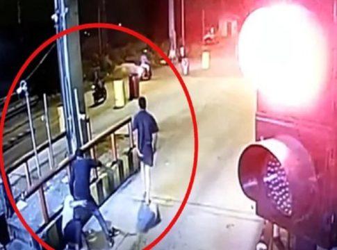 Paliyekkara toll plaza-attack