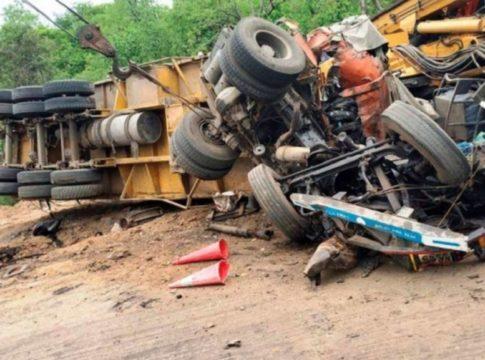 11-dead-tractor-overturns-in-uttar-pradesh