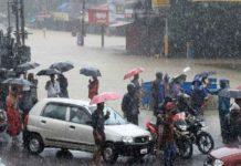 Landslide near Mavadi; Hundreds of tourists were stranded in Vagamon