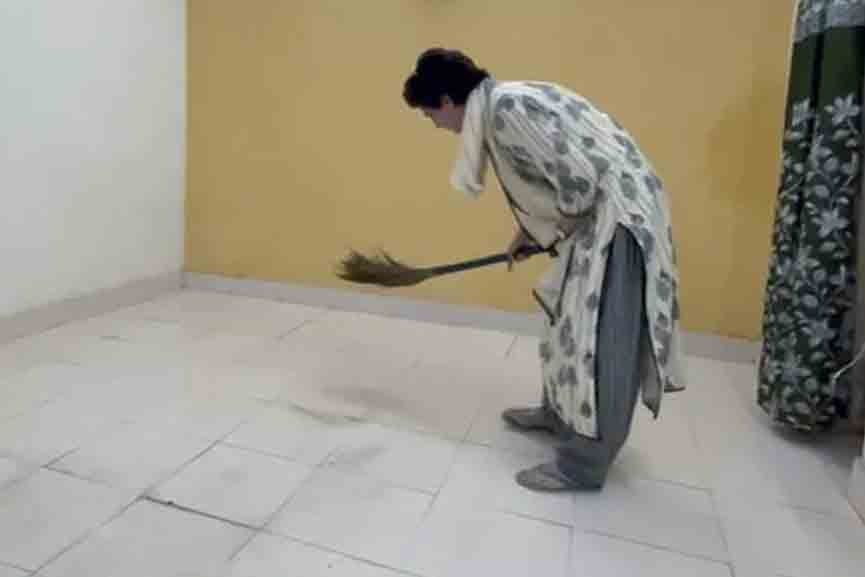 Priyanka-cleans-guesthouse-in-police-custody